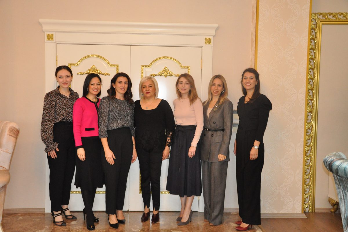 GAGİAD Kadınlar Kurulumuz ,Gaziantep İl Emniyet Müdürü Cengiz Zeybek'in Eşi Gülbahar Zeybek'i Ziyaret Etti.