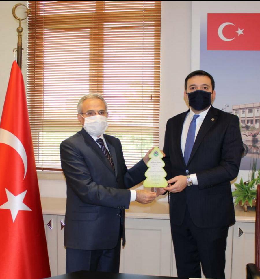 GAGİAD YÖNETİMİNDEN GAÜN REKTÖRÜ PROF.DR. ARİF ÖZAYDIN'A ZİYARET